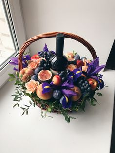 Картинки по запросу фруктовый букет с коньяком Vegetable Bouquet, Food Bouquet, Edible Bouquets, Candy Flowers, Gift Baskets, Diy Gifts, Floral Arrangements, Diy And Crafts, Projects To Try