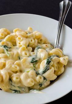 12. Creamy Greek Yogurt Mac and Cheese #healthy #dinner #recipes http://greatist.com/eat/healthy-weeknight-recipes