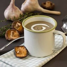 Be inspired by our Philips Chef's tasty dishes. Check out the healthy, tasty and simple recipes that you can prepare with Philips kitchen appliances. Dried Mushrooms, Creamed Mushrooms, Stuffed Mushrooms, Blender Recipes, Soup Recipes, Asian Store, Pureed Soup, Best Blenders, Mugs
