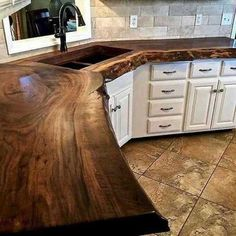 Rustic Kitchen Design, Farmhouse Style Kitchen, Kitchen Decor, Kitchen Cabinet Styles, Log Homes, Cheap Home Decor, Home Kitchens, Home Remodeling, Kitchen Remodel