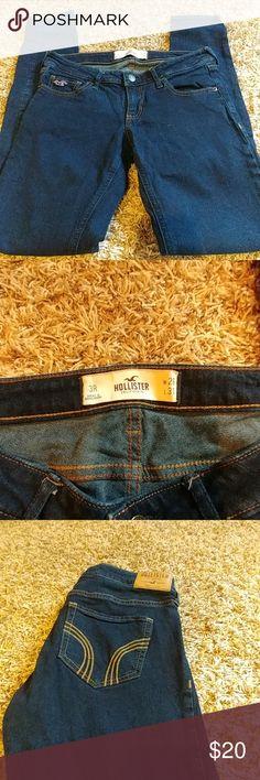 Hollister skinny jeans Like new dark wash Hollister skinny jeans Hollister Jeans Skinny