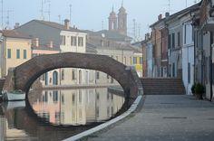 https://flic.kr/p/pUKek1 | Comacchio, misty morning