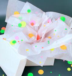 Omiyage Blogs: DIY: Wrap It In Neon