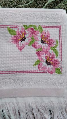 1 million+ Stunning Free Images to Use Anywhere Cross Stitch Designs, Cross Stitch Patterns, Free To Use Images, Cross Stitch Heart, Amazing Flowers, Hobbies And Crafts, Hand Embroidery, Lily, Creative