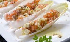 Receta de Ensalada de endibias y salmón ahumado con vinagreta -- Endive and smoked salmon salad with vinagrette   https://lomejordelaweb.es/