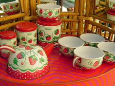 vintage strawberry motif tin tea set toy by wolverine. 9 pieces. | jazzboogie on etsy