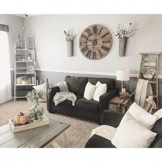 Keep current with the most recent small living room decor ideas (chic & modern). Find great methods for getting stylish design even though you have a small living room. Living Room Colors, Home Living Room, Living Room Designs, Living Room Themes, Apartment Living, Decorating Small Living Room, Apartment Curtains, Bedroom Apartment, Living Area