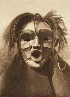 Tsunukwalahl - Qagyuhl (The North American Indian, v. X. Norwood, MA: The Plimpton Press, 1915)