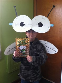 Fly Guy Frankenfly character costume - book by Tedd Arnold). Children's Book Characters Costumes, Literary Costumes, Storybook Character Costumes, Book Characters Dress Up, Book Costumes, Book Week Costume, Storybook Characters, Costume Ideas, Teacher Costumes