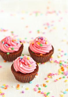 Chocolate 'cupcake' fudge. So cute.