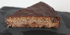Et lækkert stykke svampet banankage. Paleo Sweets, Healthy Desserts, Healthy Cake, Healthy Treats, Danish Dessert, Divine Chocolate, Snack Recipes, Dessert Recipes, Food Crush
