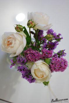 Flower arrangement in mason jar