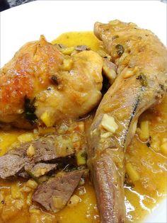 CONEJO EN SALSA CON JENGIBRE Y ALMENDRAS 1 Sauces, Guisado, Spanish Kitchen, Rabbit Food, Barbacoa, Mediterranean Recipes, Pot Roast, Chicken Wings, Sausage