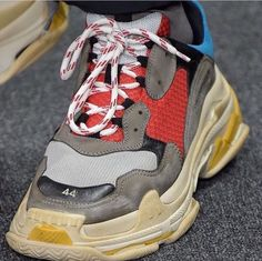 """""""What do you think of these Balenciaga Shoes? Casual Sneakers, Air Max Sneakers, Sneakers Fashion, Sneakers Nike, Ugly Shoes, Shoes Sandals, Shoe Room, Baskets, Balenciaga Shoes"""