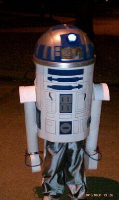 R2D2 costume Star Wars Costumes, Halloween Costumes, Halloween Ideas, R2d2 Costume, Costume Ideas, Dyi, Kids, Baby, Young Children