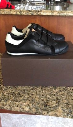 67b90464aa46 AUTH LOUIS VUITTON MENS SHOES SNEAKERS US SIZE 10 MADE IN ITALY  fashion   clothing
