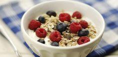 Das Frühstück ist die wichtigste Mahlzeit des Tages. Lasst es deswegen nicht ausfallen, sondern wählt ein kalorienarmes Frühstück, wenn ihr abnehmen wollt...