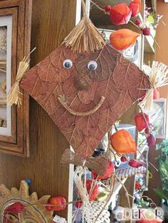 Fall Crafts, Diy And Crafts, Crafts For Kids, Land Art, Kite Decoration, Art Activities, Drake, Gingerbread, Book Art