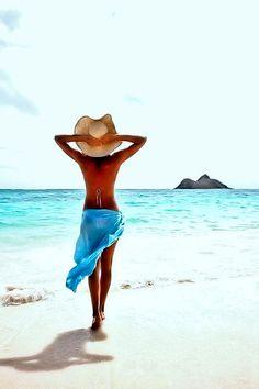 Says it all ... http://traveljunkies.com/pics.php  #girlonbeach