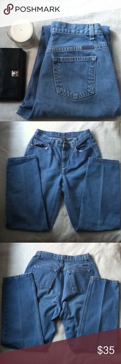 Liz Claiborne High Waist Jeans Size 6 • excellent used condition • style: classic- high waist, tapered leg • light wash • brand: liz claiborne • size: 6 • no trades •  • free gift with every purchase • 15% off all bundles • Liz Claiborne Jeans