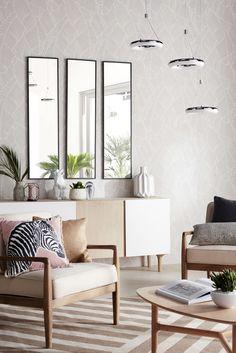 L'astuce pour agrandir votre salon, munissez les murs de miroir, pour un effet à l'infini garanti !