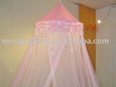 Luxurious bed canopy for girls