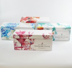 #lunac #madameluna #florals  #candles Essential Oil Blends, Essential Oils, Paraffin Wax, Candle Making, Florals, Decorative Boxes, Fragrance, Gift Wrapping, Candles
