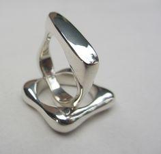 Square Knuckle ring Knuckle Rings, Jewels, Jewellery, Bijoux, Jewelry Shop, Jewerly, Gemstones, Jewlery, Jewelry