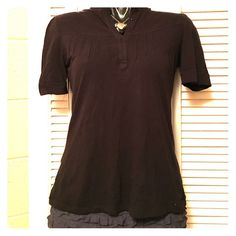 Button Top Gently loved / line & button detail / half sleeves Mossimo Supply Co Tops Tees - Short Sleeve