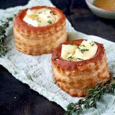 Feestelijke appel carpaccio | Flying Foodie Butter Chicken, Marsala, Chana Masala, Camembert Cheese, Red Velvet, Instant Pot, Foodies, Waffles, Brunch