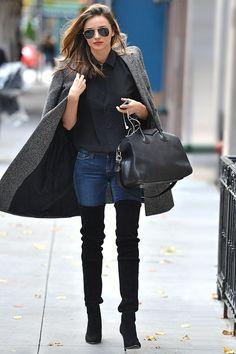 Den Look kaufen:  https://lookastic.de/damenmode/wie-kombinieren/mantel-langarmbluse-enge-jeans-overknee-stiefel-shopper-tasche-sonnenbrille/4634  — Schwarze Sonnenbrille  — Schwarze Langarmbluse  — Grauer Mantel  — Schwarze Shopper Tasche aus Leder  — Dunkelblaue Enge Jeans  — Schwarze Overknee Stiefel aus Wildleder