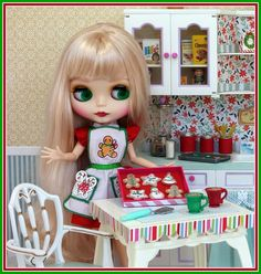 Blythe doll Christmas cookies - picture scene and photo by Debby Emerson