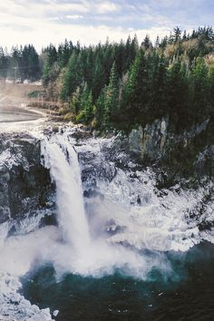 Snoqualmie Falls is a 268 ft waterfall on the Snoqualmie River between Snoqualmie and Fall City, Washington, USA. Landscape Photography, Nature Photography, Travel Photography, Pinterest Photography, Oh The Places You'll Go, Places To Travel, Travel Destinations, Snoqualmie Falls, Nature Landscape