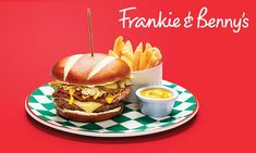 With over 250 family-friendly restaurants across the UK, Frankie & Benny's has been serving up a range of New York Italian classic dishes for over 20 years. Burger Toppings, Pork Hot Dogs, Chocolate Brownie Ice Cream, Double Bacon Cheeseburger, Frankie And Bennys, Giant Pizza, Beef Lasagne, Cod Cakes, Pizza