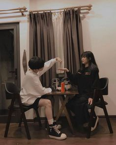 Relationship Goals Pictures, Couple Relationship, Cute Relationships, Photo Couple, Love Couple, Couple Goals, Ulzzang Korean Girl, Ulzzang Couple, Kpop Couples