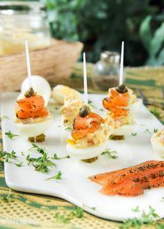 Huevos de codorniz con salmón y alcaparras | L'Exquisit