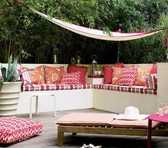 50 Small Urban Garden Design Ideas And Pictures Shelterness Outdoor Seating, Outdoor Rooms, Outdoor Living, Outdoor Decor, Backyard Seating, Outdoor Furniture, Outdoor Fabric, Garden Furniture, Outdoor Lounge