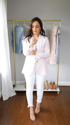 Six ways to wear white jeans this spring petite style outfits white jeans outfits spring outfits pink blazer outfit style sessions spring style Outfit Jeans, Rosa Blazer Outfits, Jeans Outfit For Work, Blazer Outfits For Women, Women's Jeans, Summer Work Outfits, Casual Work Outfits, Boho Outfits, Fashion Outfits