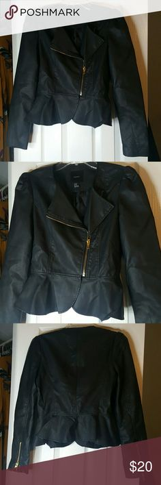 Black Moto Forever 21 Black MoTo with gold zippers Size M Worn Once Forever 21 Jackets & Coats