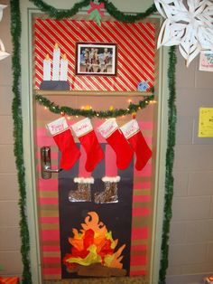 50 Christmas Door Decorations for Work to help you Ace the Door Decorating Contest - Hike n Dip - - Looking for quick Christmas Door Decoration Ideas? Here are the best Christmas Door Decorations for work to ace the Christmas door decorating contest. Diy Christmas Door Decorations, Christmas Door Decorating Contest, School Door Decorations, Office Christmas Decorations, Christmas Crafts, The Grinch, Jolly Rancher, The Doors, Dyi