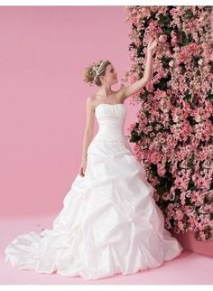 Rouched Bodice with Asymmetrical Pick up A line Skirt 2010 Wedding Dress WD-0078