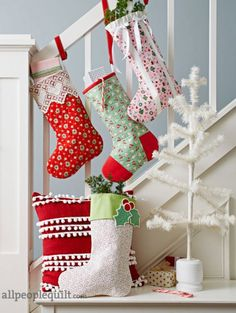 Holiday Cheer by @prettybyhand. Fabrics is from the Little Joys collection by Elea Lutz for @pennyrosefabric.