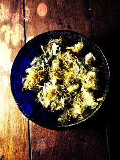 Dandelion Blossom: A tea of the flowers and leaves may be drunk to increase psychic ability while pouring boiling water over a bowlful of roots will aid in calling spirits.