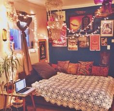 Firefly lights + tapestry = heaven #UOonCampus #UOContest