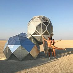 rslobodan people gather for the annual Burning Man arts and music festival in the Black Rock Desert of Nevada. Burning Man Festival is one of the… Burning Man 2017, Burning Man Art, Epic Photos, Photos Du, San Francisco Beach, Adventure Hotel, Black Rock Desert, Dome House, Geodesic Dome