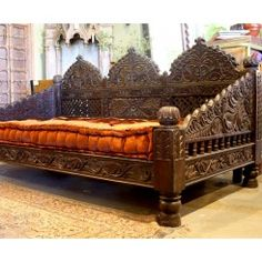 Jhulla Day Bed