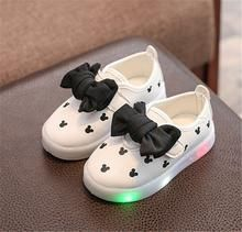 Kids Shoes With Light 2017 New Autumn Breathable Girls Fashion Sneakers Chaussure Led Enfant Sport Running Girls Mickey Shoes Light Up Sneakers, Sneakers Mode, Light Up Shoes, Lit Shoes, Baby Sneakers, Sneakers Fashion, Shoes Sneakers, Baby Girl Shoes, Girls Shoes