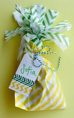 Easy Pineapple Party Favors | Pineapple themed parties continue to be a fun trend! These pineapple party favors are great for pineapple birthday parties, bachelorette parties, bridal showers, baby showers, and kids parties! | Just Artifacts