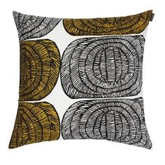 Mehiläispesä is a stylish cushion cover from Marimekko that fits perfectly in every room. Combine with other cushion covers from Marimekko for a lovely pattern and color combination.