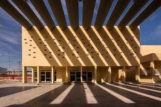 Centro comunitario San Bernabé por Pich-Aguilera Arquitectos. Fotografía © Jorge Taboada